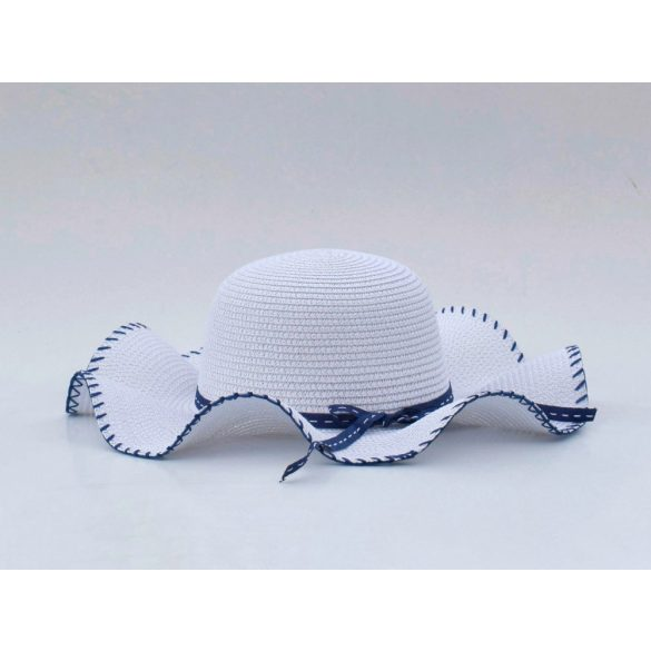 Vékony szalaggal díszített kalap (#2)